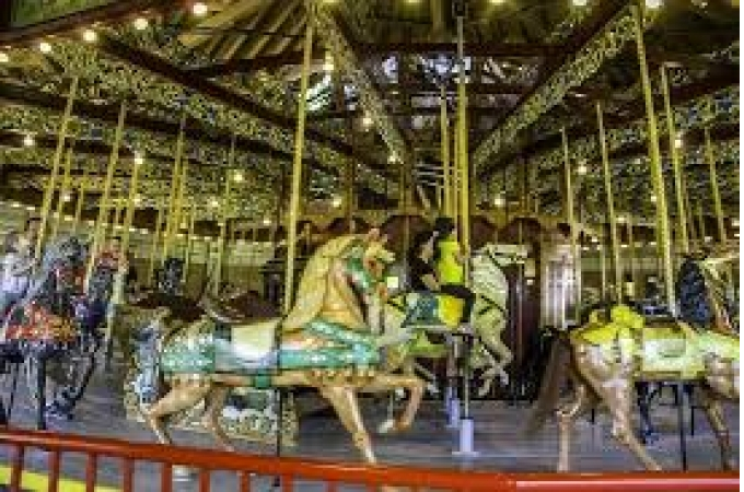 Carousel in Lakeside Park
